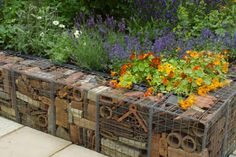 Recycled_Builders_Waste_Retaining_Wall